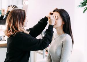 Maquillage avant seance portrait photo CV